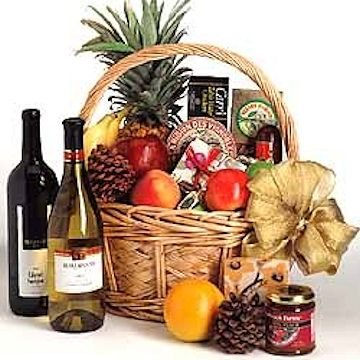This philanthropic basket of wine, fruit, and gourmet food is both a superlative culinary and aesthe