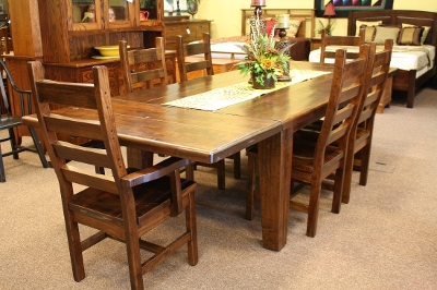 Stunning amish dining room table pictures rugoingmyway for Z furniture houston
