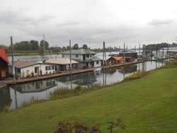 Houseboat Roof Inspection (Portland Area, Oregon, Oct 2013)