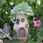 Solar Succulent House w/Chimney Miniature Fairy Garden
