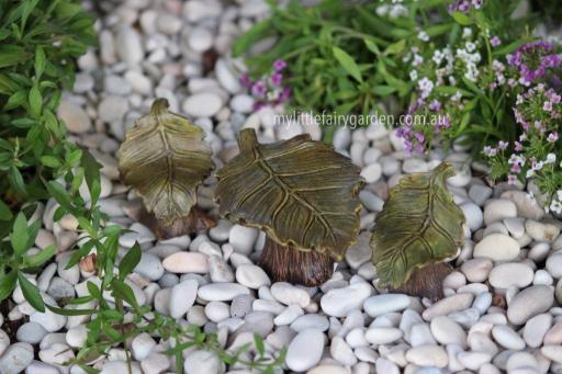 Miniature Leaf Table and Chairs Fairy Garden