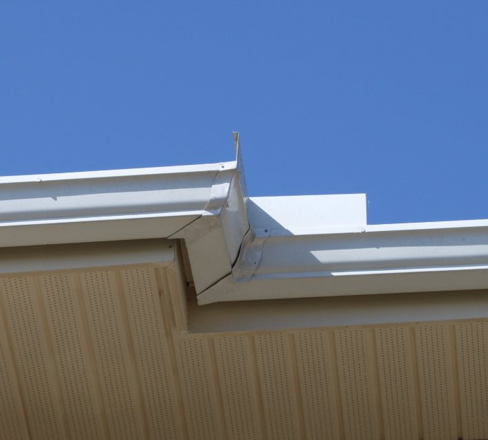 Crown Seamless Gutters Amp Downspouts South Florida