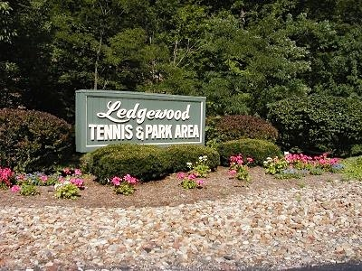 Ledgewood Strongsville Homes for Sale