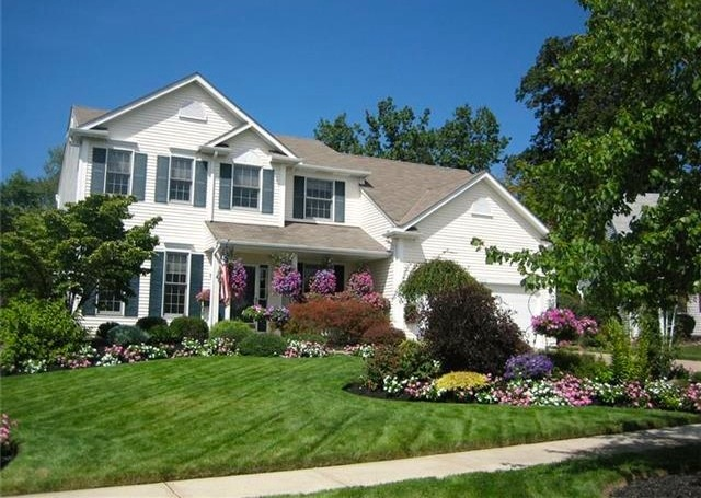 Pine Lakes Village Strongsville Ohio Homes for Sale