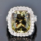 white gold and diamonds with ten carats zultanite as center