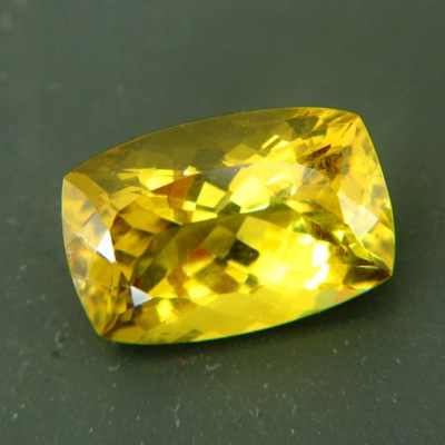 golden yellow apatite in museums size