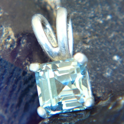untreated spinel jewelry