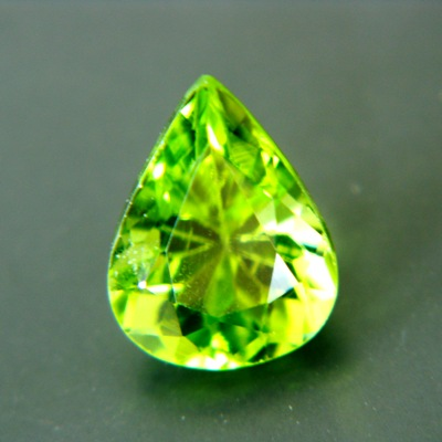 drop lime green green pakistani peridot free of treatments