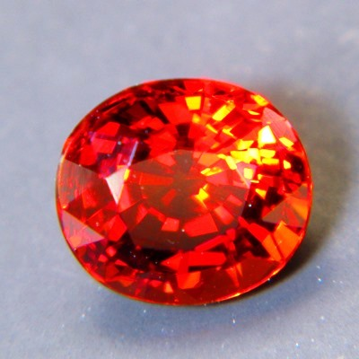 spessartite garnet free of treatments, no window, no visible inclusions, no black-out even oval fine
