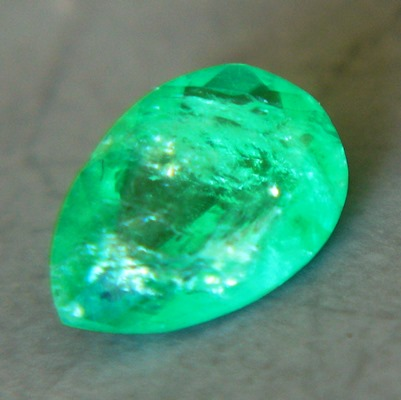 Sandawana oil-free emerald in pear cut bright vivid green