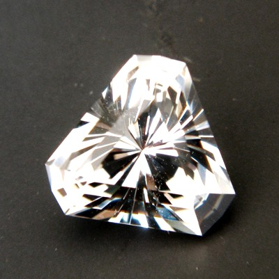 trillion precision cut extra brilliant topaz from Brazil, unheated and natural, no window, no inclus