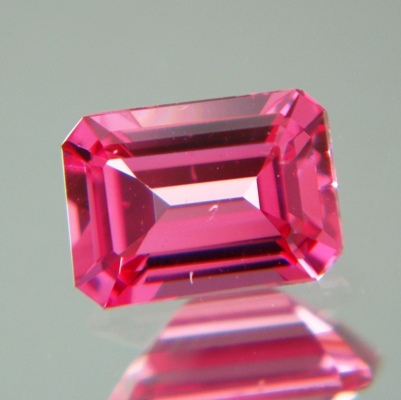 Orange pink Mahenge Padparadscha spinel