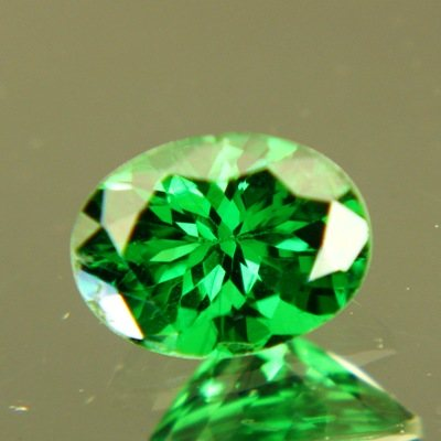 Tsavorite Garnet certified and free of inclusions