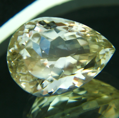 20 carat hiddenite in yellow shade