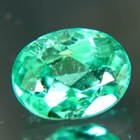 vivid green emerald oval small but shiny
