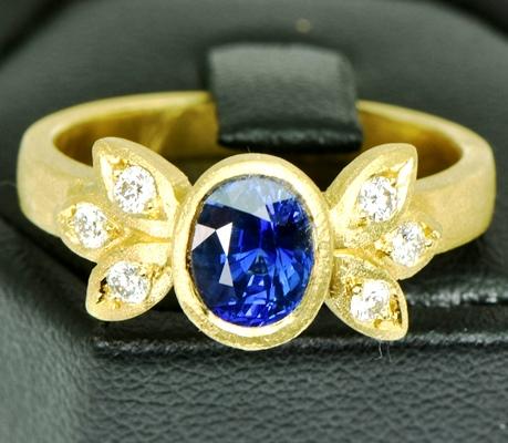 Royal blue in 22k gold