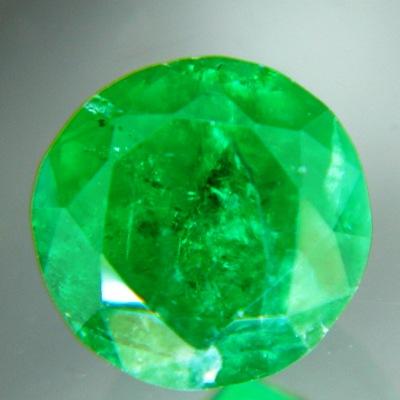vivid green emerald round six mm