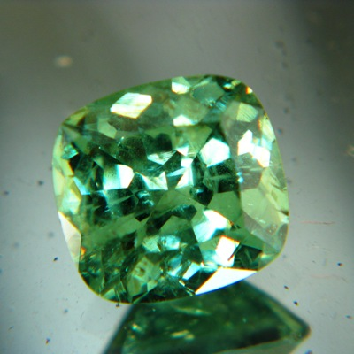 Mint green demantoid way over 3 carat rare size