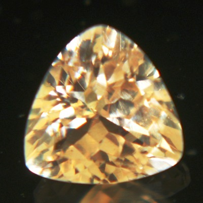 untreated orange sapphire under one carat but 6x6mm