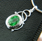 natural unheated tsavorite in gold pendant