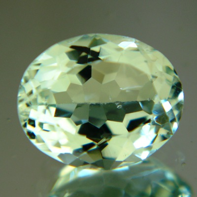 light colored untreated beryl