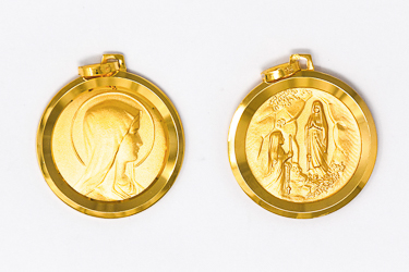 Virgin Mary Round 9  kt Medal .