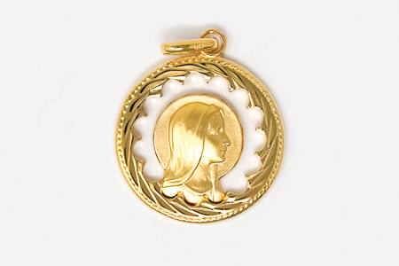 Gold Plated Pendant depicting the Apparitions.