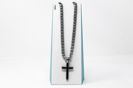 Curb Chain Cross Necklace.
